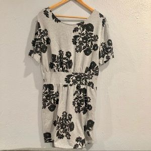 Silence + Noise | UO Gray Fall Floral Dress